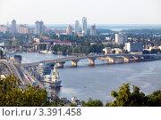 Купить «Вид сверху на Гаванский мост и реку Днепр в городе Киев, Украина», фото № 3391458, снято 17 июля 2011 г. (c) Николай Винокуров / Фотобанк Лори