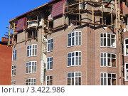 Строительство кирпичного дома. Стоковое фото, фотограф Павел Воробьёв / Фотобанк Лори