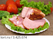 Купить «Мясные деликатесы с овощами», фото № 3425074, снято 10 апреля 2012 г. (c) Natalya Sidorova / Фотобанк Лори