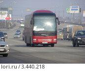"""Купить «Автобус № 974 """"Ярославль - Москва"""" едет по Щелковскому шоссе. Москва», эксклюзивное фото № 3440218, снято 15 апреля 2012 г. (c) lana1501 / Фотобанк Лори"""
