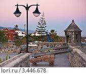 Пушки около оборонительной стены в Пуэрто де ла Круз, Тенерифе. Канарские острова. (2012 год). Стоковое фото, фотограф Константин Хрипунков / Фотобанк Лори