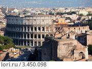 Купить «Панорамный вид сверху на римский Колизей, Италия», фото № 3450098, снято 14 сентября 2011 г. (c) Николай Винокуров / Фотобанк Лори