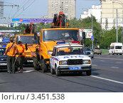 Купить «Транспорт на Щелковском шоссе. Москва», эксклюзивное фото № 3451538, снято 23 июля 2011 г. (c) lana1501 / Фотобанк Лори