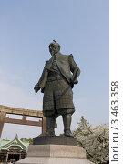 Купить «Памятник Тоётоми Хидэёси в храме Хококу Дзиндзя возле замка Осака, Япония», фото № 3463358, снято 5 апреля 2012 г. (c) Иван Марчук / Фотобанк Лори