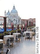 Купить «Уличное кафе в Венеции», фото № 3465198, снято 22 марта 2019 г. (c) Дмитрий Наумов / Фотобанк Лори