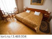 Купить «Интерьер спальни в гостинице», эксклюзивное фото № 3469934, снято 24 ноября 2011 г. (c) Яков Филимонов / Фотобанк Лори