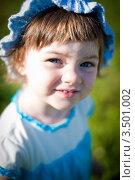 Маленькая девочка в летнем парке. Стоковое фото, фотограф Sasha Snegireva / Фотобанк Лори