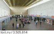 Купить «Железнодорожный вокзал, таймлапс», видеоролик № 3505814, снято 13 июня 2008 г. (c) Losevsky Pavel / Фотобанк Лори
