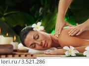 Купить «Девушка на массаже», фото № 3521286, снято 17 февраля 2012 г. (c) Дмитрий Эрслер / Фотобанк Лори