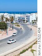 Съезд к городской набережной в городе Монастир, Тунис (2012 год). Редакционное фото, фотограф Кекяляйнен Андрей / Фотобанк Лори