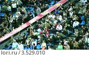 Купить «Кремлевский Кубок по теннису в Москве, 2008 год. Зрители», видеоролик № 3529010, снято 16 октября 2008 г. (c) Losevsky Pavel / Фотобанк Лори