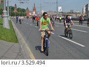 Купить «Москва, 20 мая. Велопарад «Let's bike it!»», эксклюзивное фото № 3529494, снято 20 мая 2012 г. (c) lana1501 / Фотобанк Лори