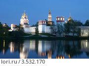 Купить «Новодевичий монастырь. Москва», эксклюзивное фото № 3532170, снято 7 мая 2012 г. (c) Литвяк Игорь / Фотобанк Лори