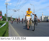 Купить «Москва, 20 мая. Велопарад «Let's bike it!»», эксклюзивное фото № 3535554, снято 20 мая 2012 г. (c) lana1501 / Фотобанк Лори