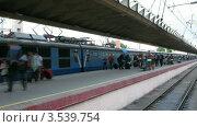 Купить «Отправление поезда, таймлапс», видеоролик № 3539754, снято 26 июня 2009 г. (c) Losevsky Pavel / Фотобанк Лори