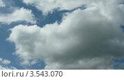 Купить «Кучевые облака», видеоролик № 3543070, снято 18 октября 2009 г. (c) Losevsky Pavel / Фотобанк Лори