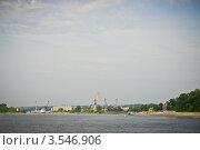 Купить «Городец, вид с реки на портовые краны», эксклюзивное фото № 3546906, снято 1 сентября 2011 г. (c) Алексей Котлов / Фотобанк Лори