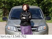 Купить «Женщина автомобилист», эксклюзивное фото № 3549762, снято 24 мая 2012 г. (c) Дмитрий Неумоин / Фотобанк Лори