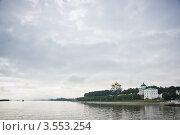 Ярославль, вид на Успенский собор и набережную с реки (2011 год). Стоковое фото, фотограф Алексей Котлов / Фотобанк Лори