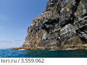 Скала в море. Стоковое фото, фотограф Денис Карелин / Фотобанк Лори