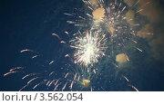 Купить «Праздничный салют», видеоролик № 3562054, снято 7 декабря 2009 г. (c) Losevsky Pavel / Фотобанк Лори