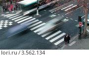 Купить «Пешеходный переход в центре Парижа, Франция. Таймлапс. Вид сверху», видеоролик № 3562134, снято 5 апреля 2010 г. (c) Losevsky Pavel / Фотобанк Лори