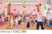 Купить «Праздник в детском саду», эксклюзивное фото № 3562586, снято 1 июня 2012 г. (c) Алёшина Оксана / Фотобанк Лори