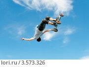 Купить «Маунтинбордер в полете», эксклюзивное фото № 3573326, снято 27 мая 2012 г. (c) Ольга Визави / Фотобанк Лори