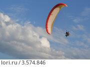 Параплан в небе (2012 год). Редакционное фото, фотограф Юлия Яковлева / Фотобанк Лори