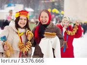 Празднование Масленицы. Стоковое фото, фотограф Яков Филимонов / Фотобанк Лори