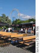 Купить «Уличное кафе. Измайловский Парк Культуры и отдыха.  Москва», эксклюзивное фото № 3580166, снято 10 июня 2012 г. (c) lana1501 / Фотобанк Лори