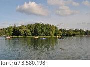 Купить «Измайловский Парк Культуры и отдыха. Круглый пруд.  Москва», эксклюзивное фото № 3580198, снято 10 июня 2012 г. (c) lana1501 / Фотобанк Лори