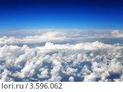 Купить «Белые кучевые облака и синее небо», фото № 3596062, снято 31 мая 2012 г. (c) Vitas / Фотобанк Лори