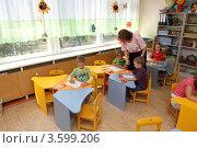 Купить «Детский сад, дети на уроке рисования», эксклюзивное фото № 3599206, снято 3 августа 2011 г. (c) Дмитрий Неумоин / Фотобанк Лори