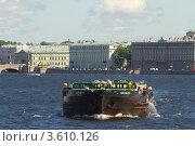 Купить «Сухогруз на Неве», фото № 3610126, снято 20 июня 2012 г. (c) Андрей Жухевич / Фотобанк Лори