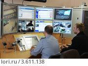 Купить «Видеонаблюдение за перевозкой осужденных», эксклюзивное фото № 3611138, снято 15 мая 2012 г. (c) Free Wind / Фотобанк Лори