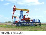 Два нефтяных насоса. Стоковое фото, фотограф Григорий Иваньков / Фотобанк Лори