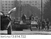 Купить «Затишье после штурма, Белый дом, 3 октябрь 1993», фото № 3614722, снято 3 октября 1993 г. (c) Михеев Алексей / Фотобанк Лори