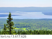 Купить «Горное озеро Зюраткуль. Россия», фото № 3617626, снято 16 июня 2012 г. (c) Art Konovalov / Фотобанк Лори