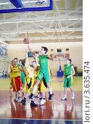 Купить «Детские соревнования по баскетболу», фото № 3635474, снято 12 февраля 2011 г. (c) Losevsky Pavel / Фотобанк Лори