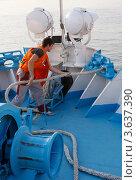 Купить «Швартовка», фото № 3637390, снято 16 августа 2011 г. (c) Алексей Шипов / Фотобанк Лори