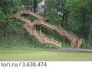 Купить «Дубовая лестница», фото № 3638474, снято 1 июня 2005 г. (c) Войткевич Любовь / Фотобанк Лори