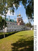 Купить «Новодевичий монастырь», фото № 3650818, снято 25 мая 2012 г. (c) Валерий Пчелинцев / Фотобанк Лори