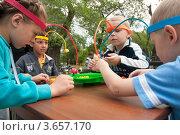 Дети играют (2012 год). Редакционное фото, фотограф Снигирев Сергей / Фотобанк Лори