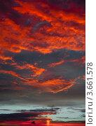 Купить «Алые краски заката», фото № 3661578, снято 10 июля 2012 г. (c) Екатерина Овсянникова / Фотобанк Лори