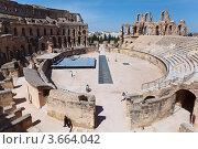 Купить «Панорама древнего колизея в Эль-Джеме, Тунис», фото № 3664042, снято 2 мая 2012 г. (c) Кекяляйнен Андрей / Фотобанк Лори
