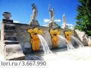Купить «Каскадный фонтан «Золотая гора» в Петергофе, Санкт-Петербург», фото № 3667990, снято 30 июня 2012 г. (c) Vitas / Фотобанк Лори