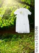 Крестильное платье для девочки. Стоковое фото, фотограф Алексей Литягов / Фотобанк Лори