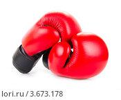 Красные боксерские перчатки на белом фоне. Стоковое фото, фотограф Екатерина Усынина / Фотобанк Лори