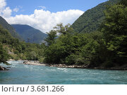 Купить «Река Бзыбь, Абхазия», эксклюзивное фото № 3681266, снято 11 июля 2012 г. (c) Игорь Веснинов / Фотобанк Лори